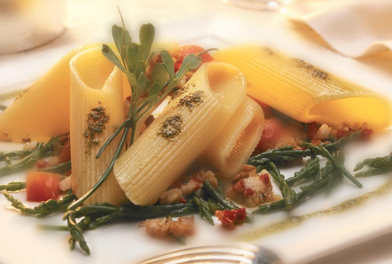 ricetta-pennone-ai-fasolari-e-asparagi-di-mare