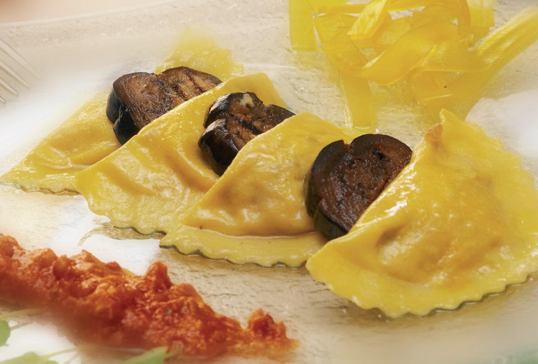 ricetta-ravioli-di-ricotta-con-salsa-ai-fasolari